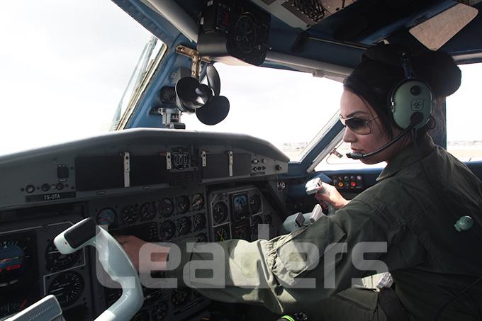 امرأة في الجيش السوداني 71F1271