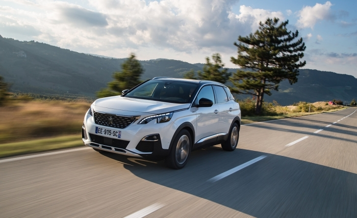 "Le nouveau SUV PEUGEOT 3008 ""Car of the Year 2017"""