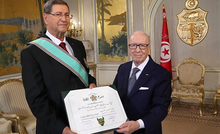Le Grand Cordon de la République à Habib Essid : le message symbolique  de Béji Caïd Essebsi