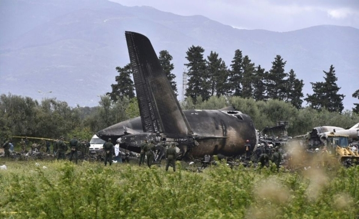 Crash d'un avion militaire algérien de transport  près d'Alger : 275 morts