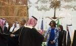 Le fier service à l'islam de Mme Obama en Arabie