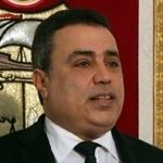 Mehdi Jomaa présente sa démission. Habib Essid reprend ses consultations avec les partis