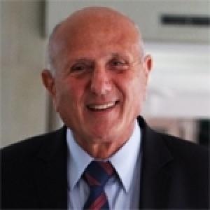 Nejib Chebbi: Faut-il changer de premier ministre?