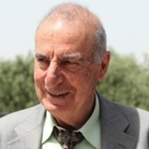 Lang, Delanöé, Halimi, Elkabbach, Jean Daniel, Sitbon, Moati, Mitterand ... ils seront décorés par Caïd Essebsi