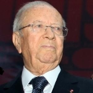 Le président de la République paraphe la loi organique sur le CSM