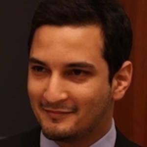 Harvard - Le Tunisien Aziz Majoul remporte le Spring 2016 Class Aaward avec la simulation du débat présidentiel américain