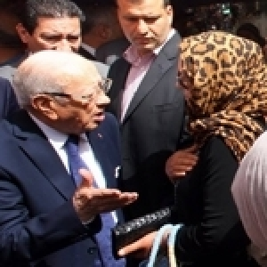 Caïd Essebsi à Beb El Fella : « Ecoeuré ! » (Album photos)