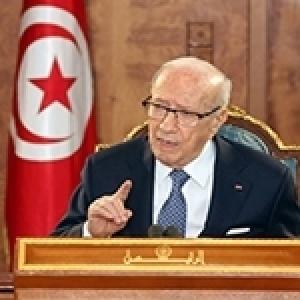 """Caïd Essebsi : """"Je m'excuse, je suis encore vivant!"""""""