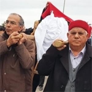 Obsèques émouvantes de la veuve de Farhat Hached à Kerkennah (Album photos)